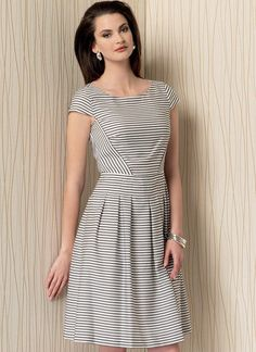 Would sew the pleats down a bit further for a most flattering front. Love this dress. ~V1499 | Vogue Patterns