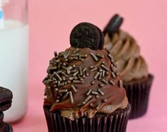 Chocolate Cookies and Cream Cupcakes