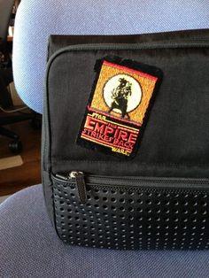 「ひらくPCバッグ」、ワッペン縫い付けてカスタマイズした。 Photo - 松山 茂 | Lockerz