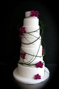 phalaenopsis orchid wedding cake