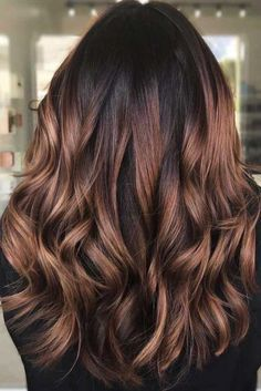 Trendy Brown Ombre Variations Red Wood ❤ Ombre fall hair colors look be. Trendy Brown Ombre Variations Red Wood ❤ Ombre fall hair colors look best when combined co Ombre Hair Color For Brunettes, Brown Ombre Hair, Brown Hair Balayage, Brunette Color, Hair Color Balayage, Balayage Hair Brunette Caramel, Black Hair With Ombre, Caramel Hair Highlights, Brunette Hair With Highlights