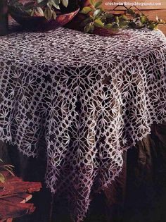 Lace tablecloth (square or rectangular).