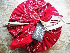 Apple pie carrier.....bandana - slip your pie server through the knot, add a chalkboard  tag!