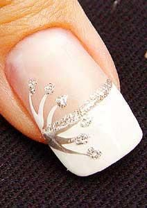 french nails flower Tips French Manicure Designs, Classy Nail Designs, New Nail Designs, French Nails, French Manicure With Glitter, French Manicure With A Twist, Glitter Manicure, Sparkle Nails, Gold Nails