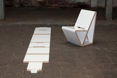 Thonet's VouwWow is a Flat Pack Recycled Honeycomb Cardboard Chair Cardboard Chair, Cardboard Furniture, Diy Furniture, Outdoor Furniture, Outdoor Decor, Stackable Stools, Honeycomb, Sun Lounger, Recycling