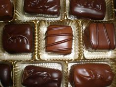 Russell Stover is the best = YUM! Valentine Chocolate, I Love Chocolate, Chocolate Peanut Butter, Chocolate Candies, Russell Stover, Chocolate Garnishes, It's The Great Pumpkin, Favorite Candy, Recipes