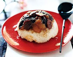 Eight-Treasure Puddings - Unlike most Western rice puddings, these desserts are chewy rather than creamy, with a delightful surprise inside. Some Chinese versions can be heavy and overly sweet, but our variation is a nicely balanced finish to the meal. New Year's Desserts, Asian Desserts, Delicious Desserts, New Recipes, Snack Recipes, Dessert Recipes, Favorite Recipes, Snacks, Gourmet