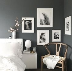 Black and grey bedroom decorating ideas: best dark gray bedroom ideas. Dark Gray Bedroom, Dark Grey Walls, Grey Bedrooms, Trendy Bedroom, Charcoal Bedroom, Charcoal Walls, Gray Bedroom Walls, Bedroom Frames, Gray Walls Decor