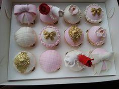 Fancy cupcakes by Leyara Cakes