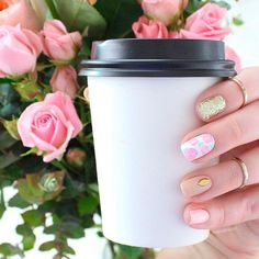 coffee-cup-images-flowers-gold-nude-nails Nail And Coffee Cup Images Pictures Nail Art Coffee Cup Pictures, Coffee Cup Images, Black Coffee, Hot Coffee, Coffee Cups, Protective Hairstyles, Cool Hairstyles, South African Celebrities, Bel Art