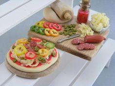 making pizza: