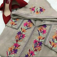 No photo description available. Embroidery Suits Punjabi, Hand Embroidery Dress, Embroidery Suits Design, Embroidery On Clothes, Embroidery Fashion, Designer Kurtis, Designer Punjabi Suits, Indian Designer Wear, Kurti Designs Party Wear