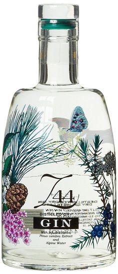 Roner Gin x l) Beverage Packaging, Bottle Packaging, Bottle Labels, Liquor Bottles, Vodka Bottle, Whisky, Gin Tasting, Craft Gin, Gin Bar