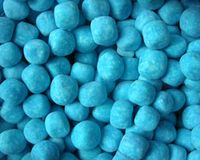 Retro Sweets Blue Raspberry Bonbons Old Sweets, Retro Sweets, British Sweets, Dog Food Recipes, Snack Recipes, Ppr, Blueberry, Raspberry, Wedding Day
