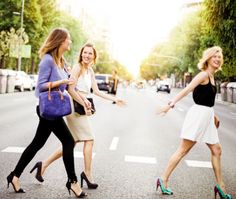 Royalty-free Image: 3 Friends walking - walking in the city. photoshoot ideas