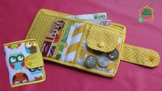 Sew a purse with your own hands / A small bright folding purse from SvGa. Fabric Wallet, Diy Bags Purses, Backpack Pattern, Diy And Crafts, Projects To Try, Coin Purse, Pouch, Backpacks, Sewing