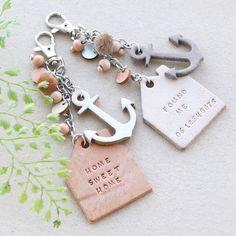 Zeitlose Schlüssel- und Taschenanhänger mit DQ Leder Haus- und Ankeranhänger