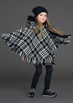 Dolce & Gabbana presenta la Collezione Bambini Inverno 2016, scoprila sul sito Dolcegabbana.it.