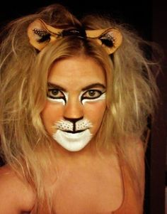 When you think about face painting designs, you probably think about simple kids face painting designs. Many people do not realize that face painting designs go Lion Makeup, Animal Makeup, Lion Halloween, Halloween Make Up, Amazing Halloween Makeup, Halloween Face Makeup, Amazing Makeup, Lion Face Paint, Lion King Costume