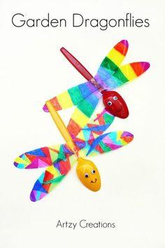 Dragonfly garden craft for kids - garden craft for kids - spring craft - acraftylife.com #preschool #craftsforkids #crafts #kidscraft