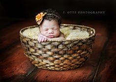 http://jodieotte.com/wp-content/uploads/2012/12/newborn_basket.jpg