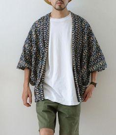 Mens Fashion – Designer Fashion Tips Foto Fashion, Kimono Fashion, Fashion Sale, Men's Clothing Looks, Moda Kimono, Best Mens Fashion, Thrift Fashion, Second Hand Clothes, Japan Fashion