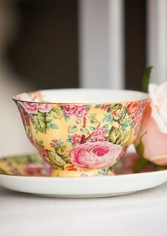 Lovely Chintz Tea Cup (Pattern, Anyone?)