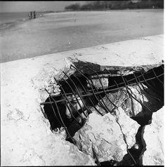 Vivian Maier Girl Inside Culvert on Beach, Wilmette, IL, 1968 Robert Frank, Saint Germain, Vivian Maier Street Photographer, Best Street Photographers, Vivian Mayer, Street Photography, Art Photography, Festival Photo, Frederic