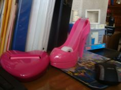 Desk accessories....awesome! For the girly girl in me!