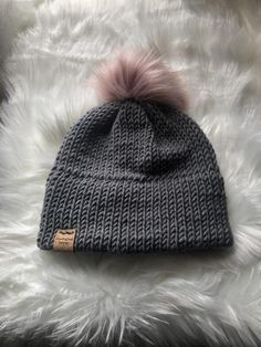 202bfae035f 23 Best Women s beanie images