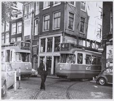 Tramlijn 4 exiting the Bakkerstraat, a small street that connects the Rembrandtplein and Amstel, in Amsterdam. Amsterdam City, Amsterdam Travel, Amsterdam Netherlands, Old Pictures, Old Photos, Van Gogh Museum, Public Transport, Rotterdam, Places To Visit