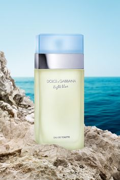 Light Blue is a fresh floral and fruity fragrance that evokes Mediterranean sensuality. Discover all the essence of a sunny summer day enclosed in this lively, fresh, floral and fruity perfume by Dolce & Gabbana. Light Blue Perfume, Pink Perfume, Chanel Perfume, Cosmetics & Perfume, Best Perfume, Perfume Scents, Light Blue Dolce Gabbana, Dg Light Blue, Dolce Light Blue