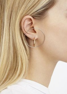 Discover and shop our rings, earrings, bracelets, necklaces and accessories. Charlotte Chesnais' sculptural jewellery is made in the finest French workshops. Minimal Jewelry, Modern Jewelry, Jewelry Art, Silver Jewelry, Jewelry Accessories, Fine Jewelry, Fashion Jewelry, Jewellery, Silver Ring