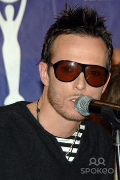 Scott Weiland of Velvet Revolver Rock & Roll Hall of Fame Induction Ceremony held at the Waldorf-Astoria Hotel