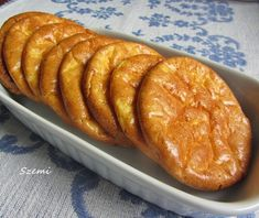 Szemirámisz függőkertje: Kenyér helyett - szénhidrátmentes puffancs Diabetic Recipes, Low Carb Recipes, Healthy Recipes, Gm Diet Vegetarian, Bakery Recipes, Diet Tips, Fitness Diet, Clean Eating, Food And Drink