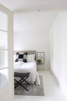 Homevialaura   Modern classic bedroom   Matri by Fennobed   Slim headboard   Caleido 3790 Modern Classic Bedroom, Interior Design, Nyc, Slim, Inspiration, Furniture, Home Decor, Cozy Bedroom, Minimalist