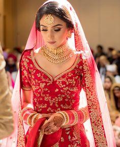 Indian bridal dress red saris 18 Ideas for 2019 Bridal Sari, Indian Bridal Lehenga, Red Wedding Lehenga, Bridal Chura, Red Wedding Dresses, Bridal Dresses, Bridal Bouquets, Sikh Bride, Bride Groom