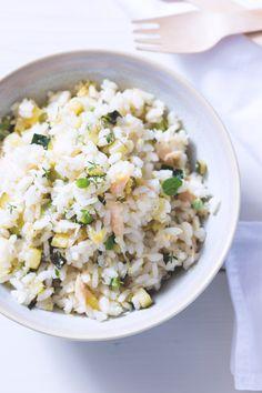 Riso freddo con tonno, zucchine e limone: leggero e gustoso. Perfetto come schiscetta estiva... anche per la spiaggia!  [Rice salad with tuna, zucchini and lemon]