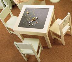 Mesa y sillas Amelia Arán
