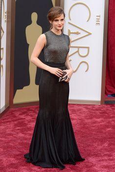 Emma Watson  luce un vestido negro y plata, altamente sofisticado de Vera Wang. #Oscar2014 #PremiosOscar