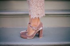 Gal Meets Glam Bows & Lace - Gianvito Rossi pumps