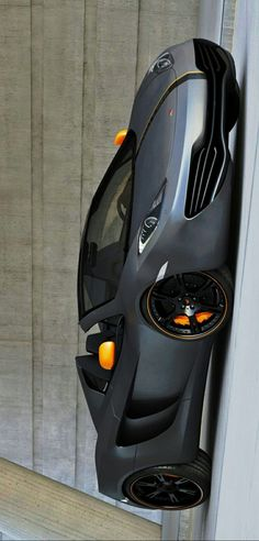 The McLaren was unveiled as a concept car at the Paris Motor Show in 2012 and went into production in The car has a limited production run of only 375 units Mclaren Cars, Mclaren Mp4, Super Sport Cars, Super Cars, Lamborghini, Replica Cars, Mp4 12c, Car Pictures, Car Pics