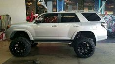 Cool Toyota 2017: Lifted Toyota 4Runner...  Best SUVs for Offroad Check more at http://carsboard.pro/2017/2017/04/11/toyota-2017-lifted-toyota-4runner-best-suvs-for-offroad/