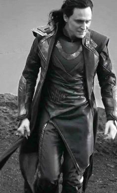 Tom Hiddleston - gif