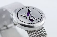 Young+Living+Essential+Oils+-+Aroma+Bracelet+-+Adjustable+-+Stainless+Steel+w/+pads  Price: $19.99