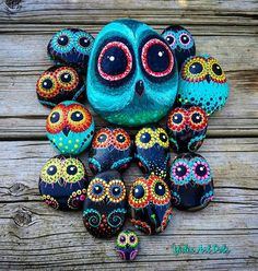 #YuliaArtDots #Owls #owl #owllovers #paintedstones #rocks #pebbles #stones #turquoise #black #dots #dotting #etsy #etsyshop #etsyseller #art #art #myart