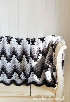 Lululoves Crochet Heartbeat Ripple Blanket