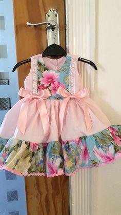 So cute Baby Girl Frocks, Baby Girl Party Dresses, Frocks For Girls, Kids Frocks, Baby Dress, Girls Dresses, Pretty Little Dress, Little Dresses, Kids Outfits Girls