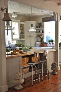 Shabby chic kitchen decor-- love the different cabinets and boards on the island Modern Farmhouse Kitchens, Country Kitchen, New Kitchen, Home Kitchens, Kitchen Ideas, Kitchen Black, Kitchen Inspiration, Kitchen Designs, Vintage Kitchen