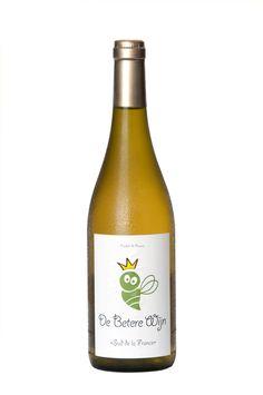 """★★★★★ De Betere Wijn Biologisch Wit.    Witte """"Rhone"""" blend 2011 bestaande uit Grenache, Viognier en Marsanne.    Zuivere en aromatische wijn gemaakt van biologisch geteelde druiven als Grenache, Viognier en Marsanne.    De wijn heeft een mooie complexiteit met een zekere vettigheid en een natuurlijke aciditeit die de wijn zijn frisheid geven. Heerlijk als aperitief, bij salades met kip of schaaldieren, asperges en bij de BBQ.    Binnekort exclusief verkrijgbaar bij Ekoplaza!"""